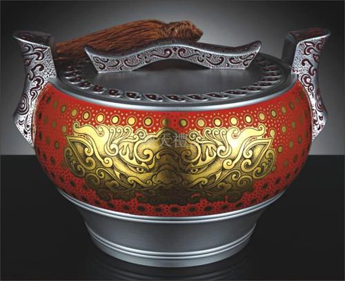 《蒸蒸日上》红瓷罐