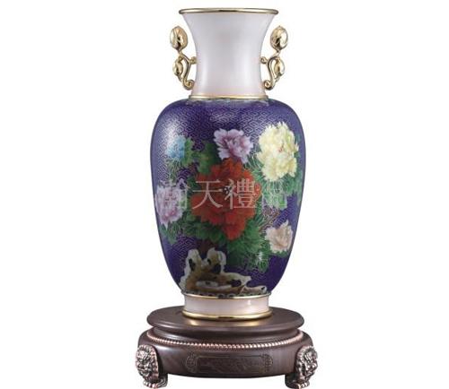 景泰蓝镶玉安富尊荣牡丹花瓶